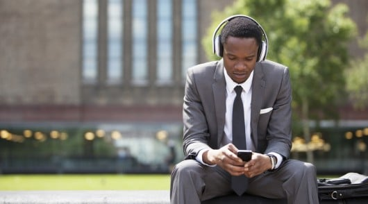 7-outstanding-podcasts-for-business-english-learners-530x294