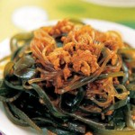 Seaweed Stew with Minced Pork in Spicy Sauce