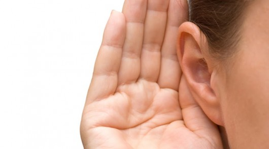 5 esl listening activities to sharpen your students' ears