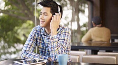 Englische Präpositionen mit Hilfe von Musik lernen: 30