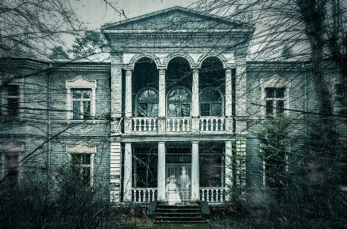 13 spooky english ghost stories thatll keep you up at night english ghost stories fandeluxe Gallery