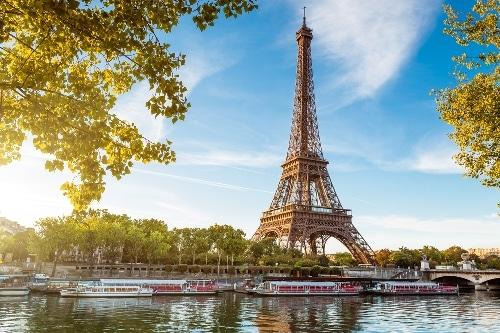 french tourism essay Travel laptops and tablets french holidays mini essay watch je vais aller en france et je vais rester dans un hôtel au centre de paris.