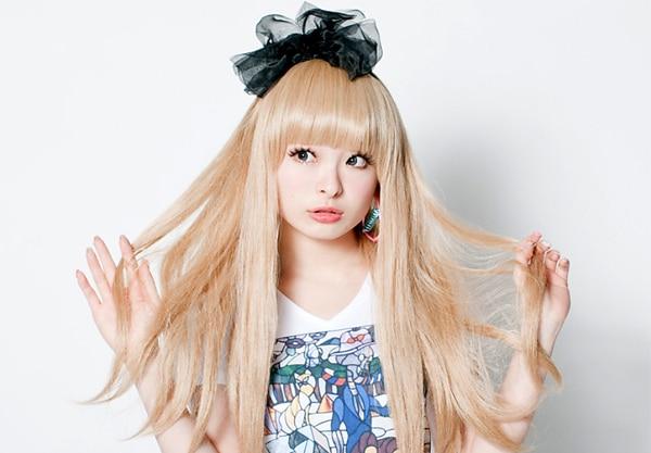 famous-japanese-singers-2