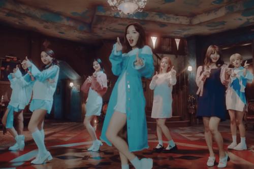 Sing Along! 7 Famous K-pop Songs for Learning Korean