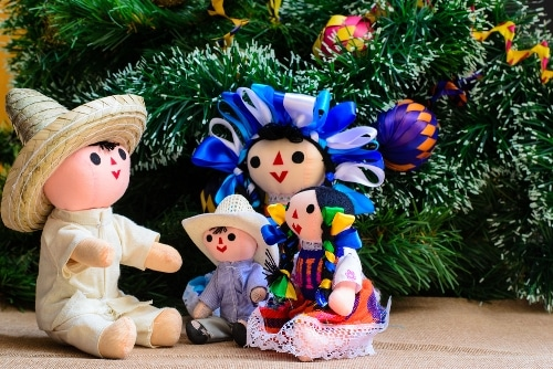 30 Heartfelt Spanish Christmas Greetings That Go Way Beyond Feliz