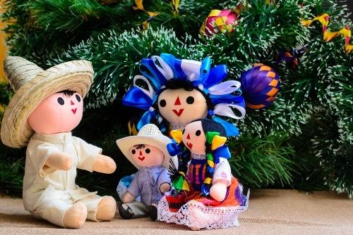 30 Heartfelt Spanish Christmas Greetings That Go Way ...