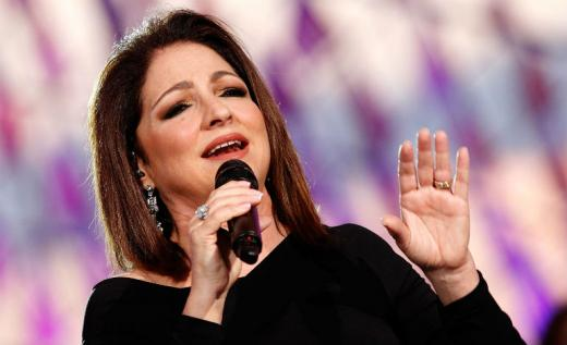 6 Famous Spanish-speaking Singers All Learners Should Know