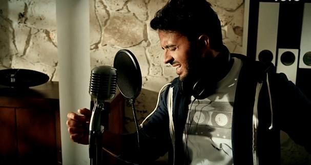 famous spanish singers: Luis Fonsi