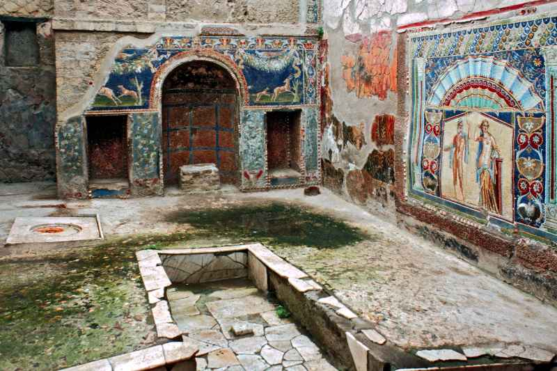 italy-ancient-ruins