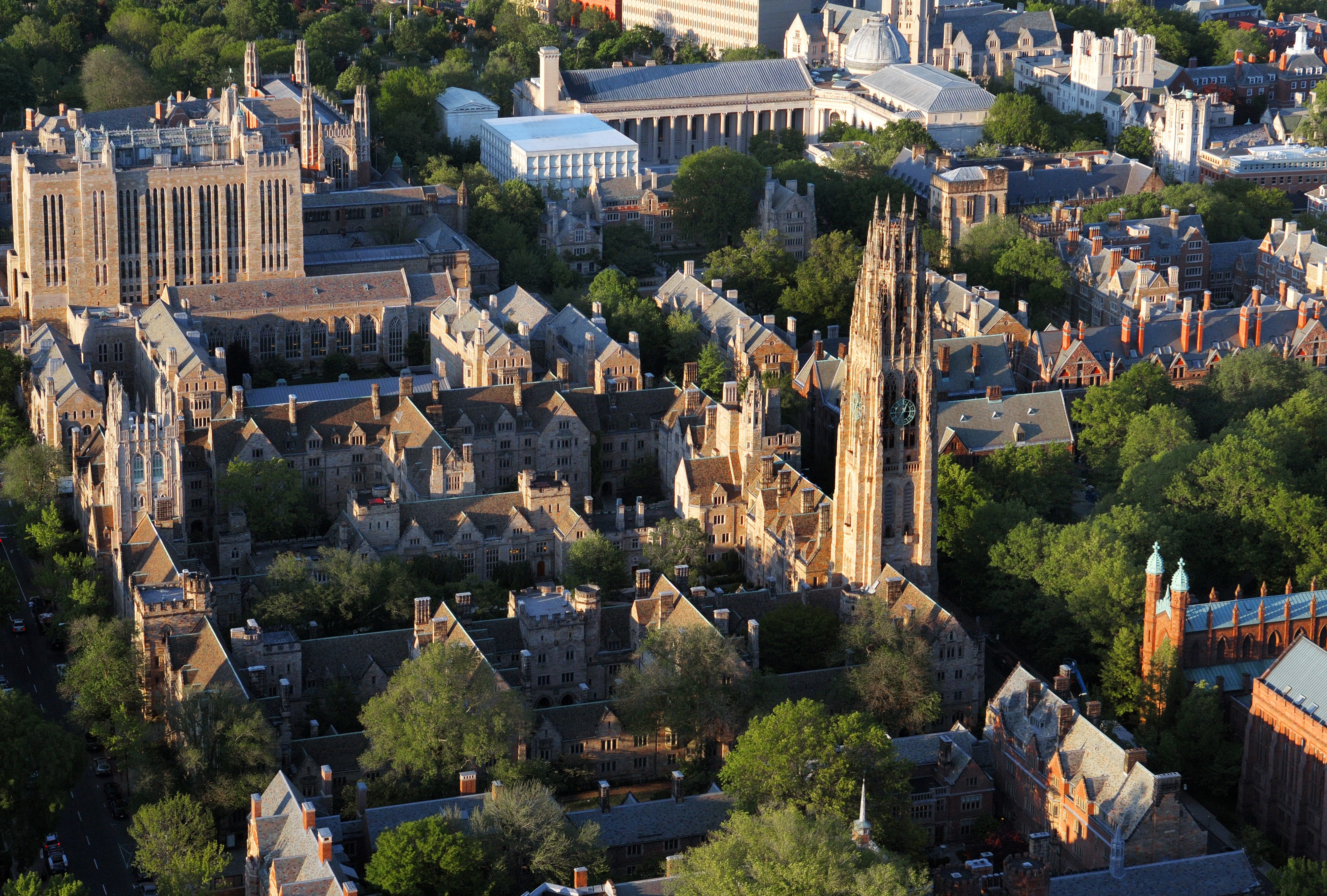 What are the best credits you can have for yale? pls give me at leat ten. thnx?